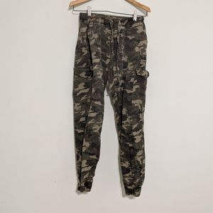 Almost Famous Army Cargo Joggers M